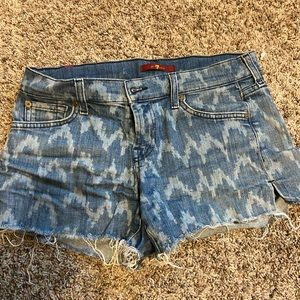 7 for all Mankind jean shorts. Size 26. Low rise